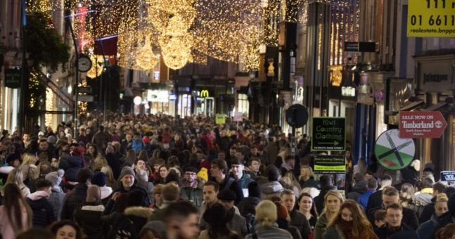 Delay Christmas for a month to get coronavirus under control– Dr Tomás Ryan