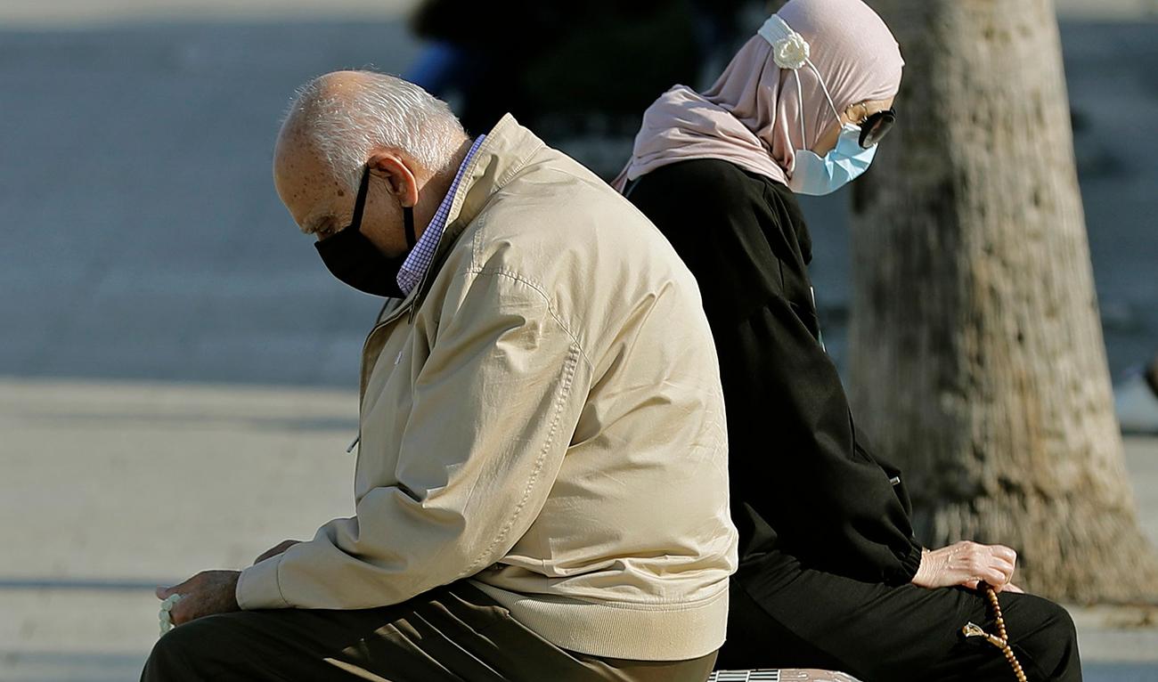 Coronavirus threatens joyful season in Lebanon